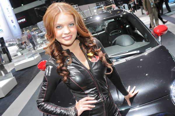Fast Car Hot Girls in New York Auto Show 2012 1d