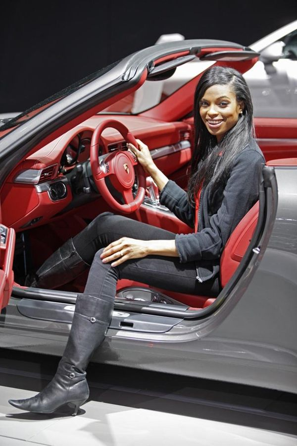 Super Car Beautiful Girls in New York Auto Show 2012 1n